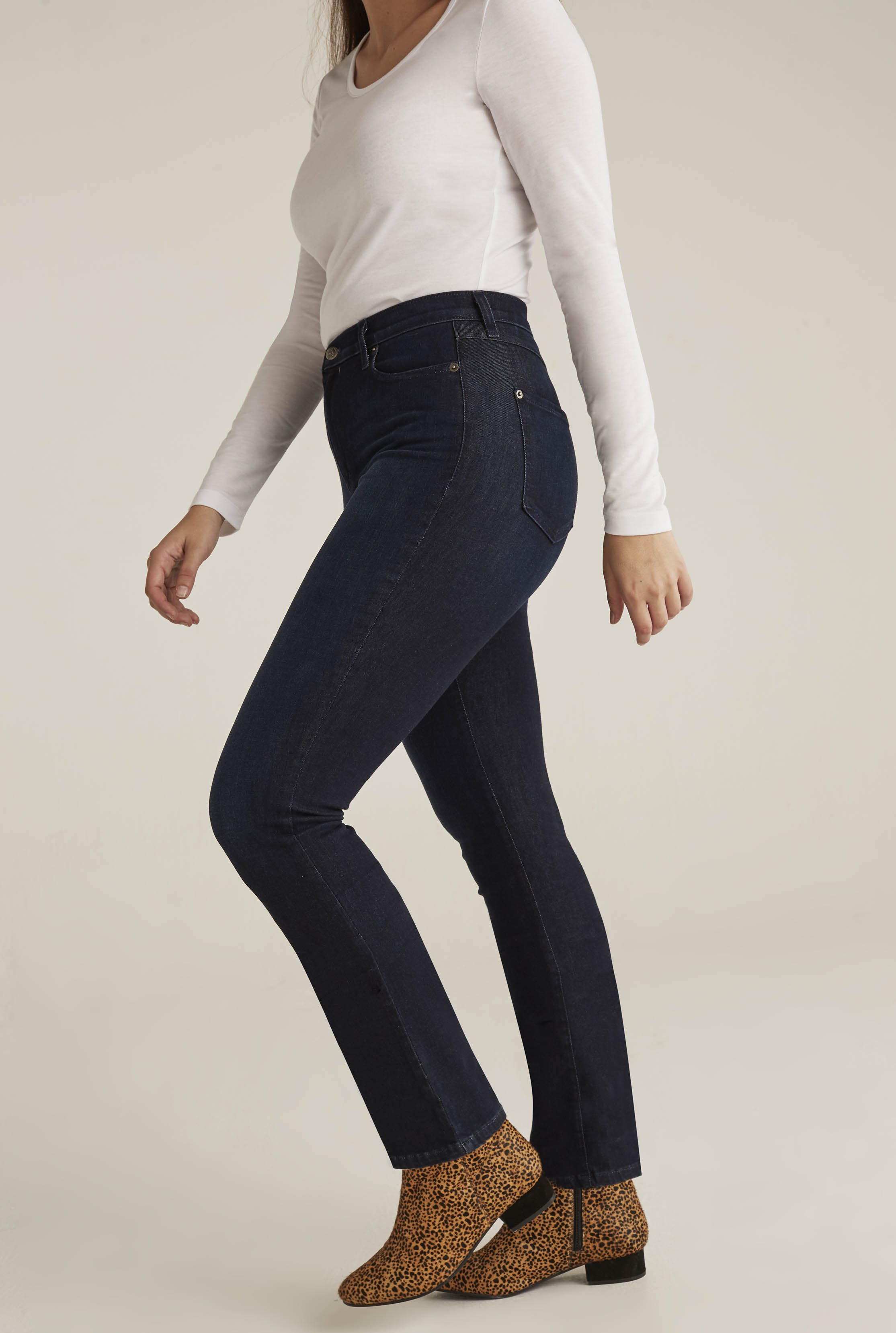 Yoga Alex Slim Bootcut Reunion Jean