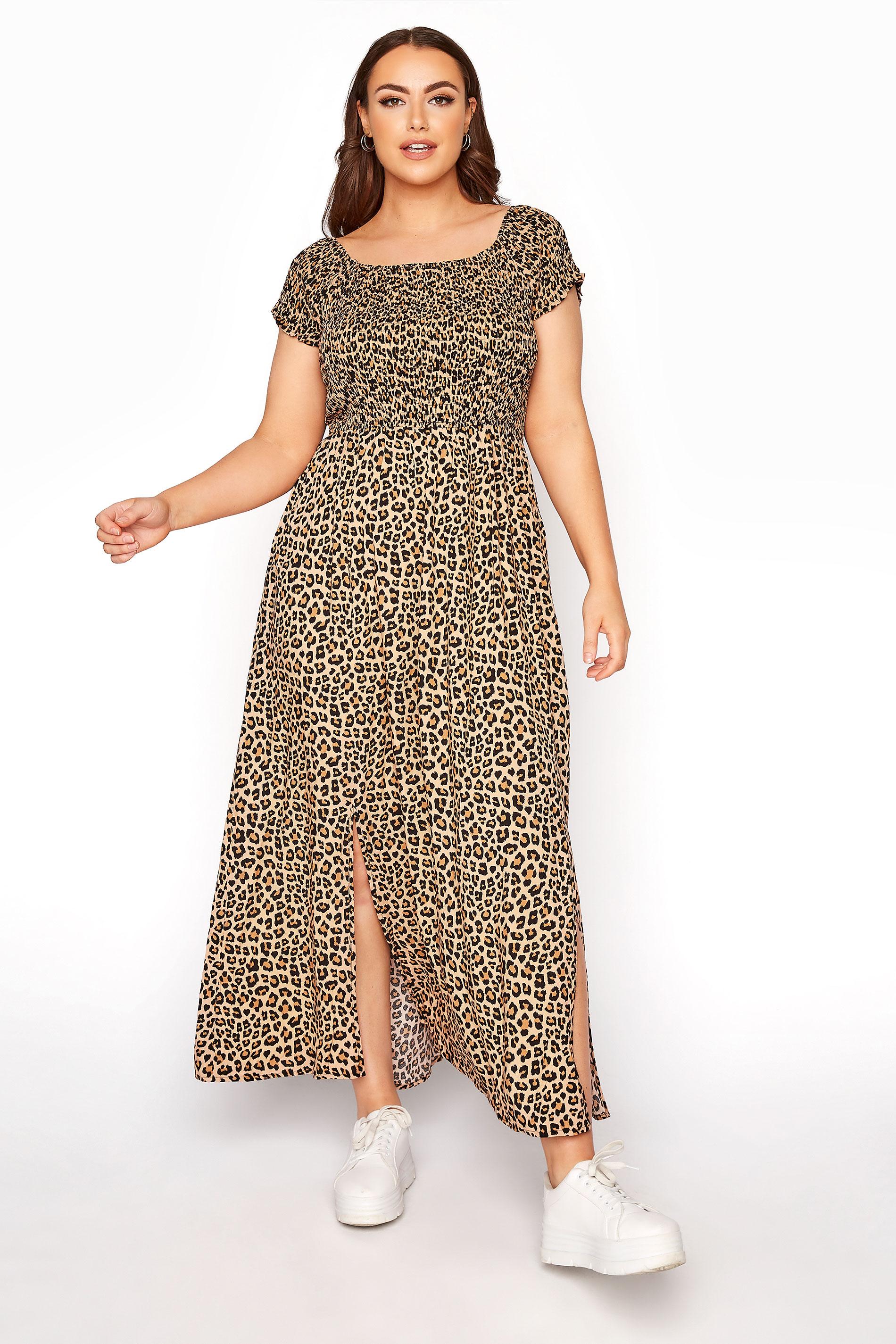 Beigefarbenes Animal Print Maxi Kleid mit Bardot Ausschnitt