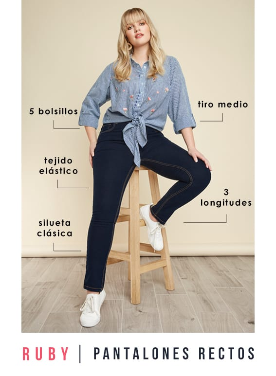 Plus Size Straight Jeans >