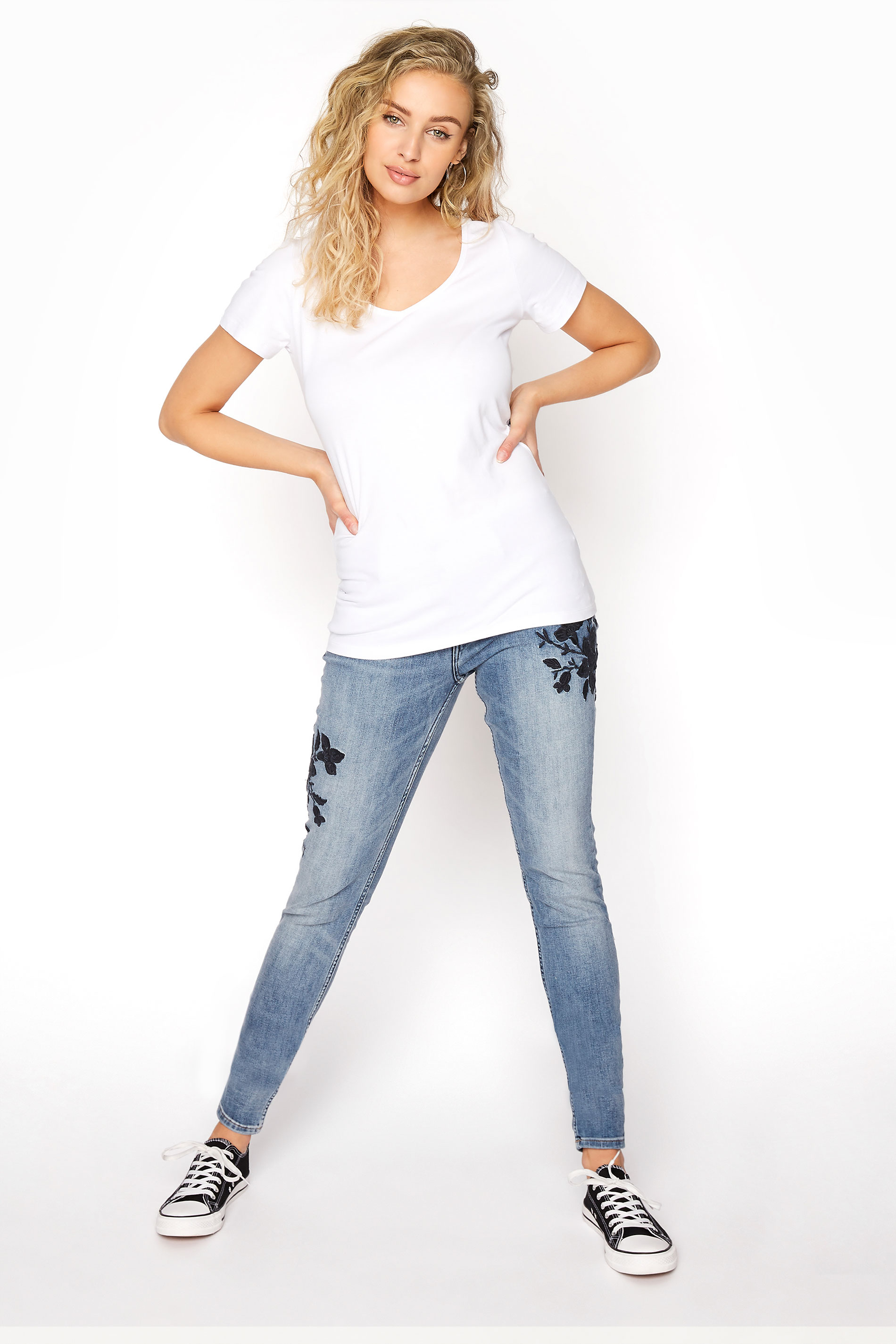 """SILVER JEANS Grey Washed """"Avery"""" Skinny Jeans"""