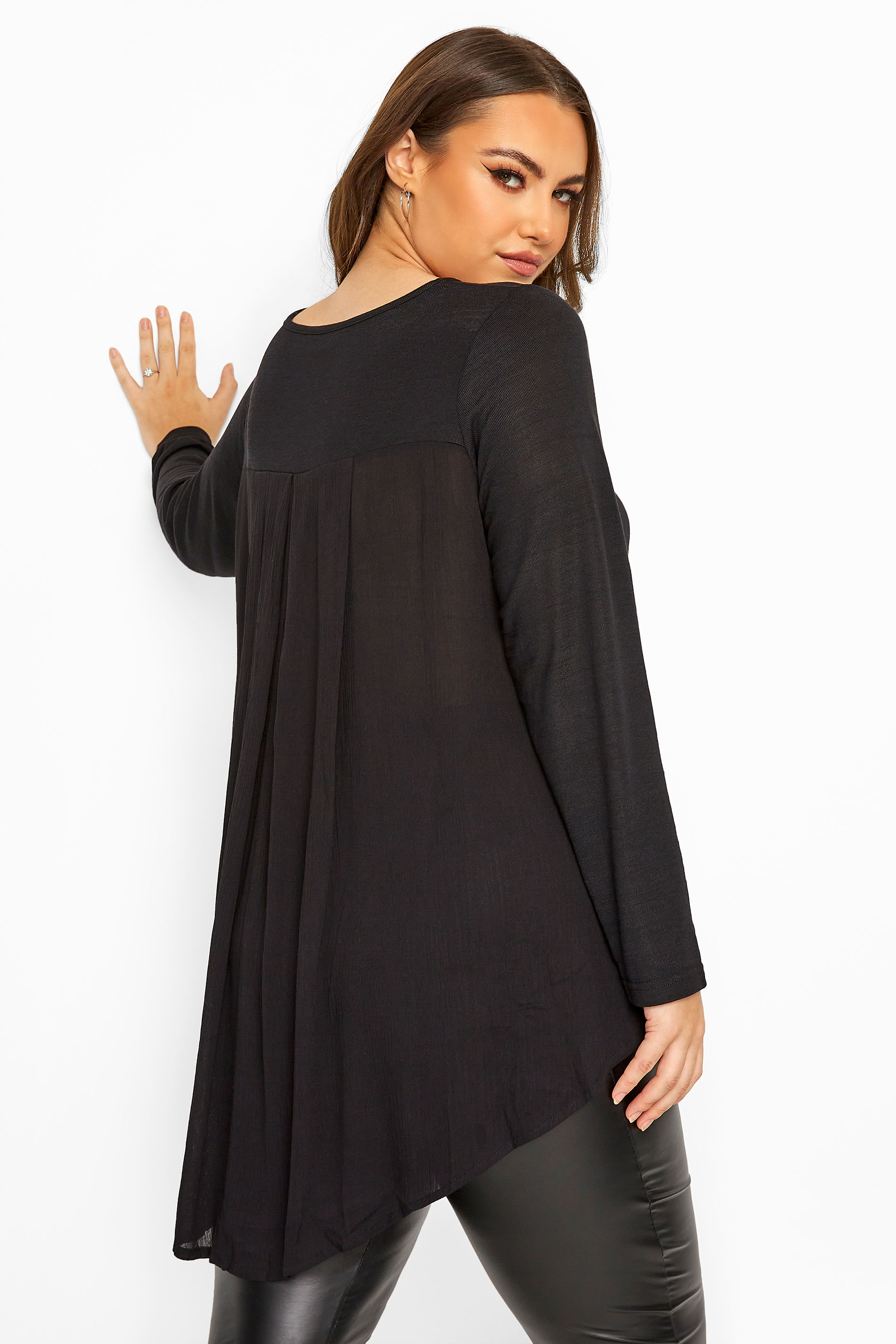Black Pleat Back Knitted Top