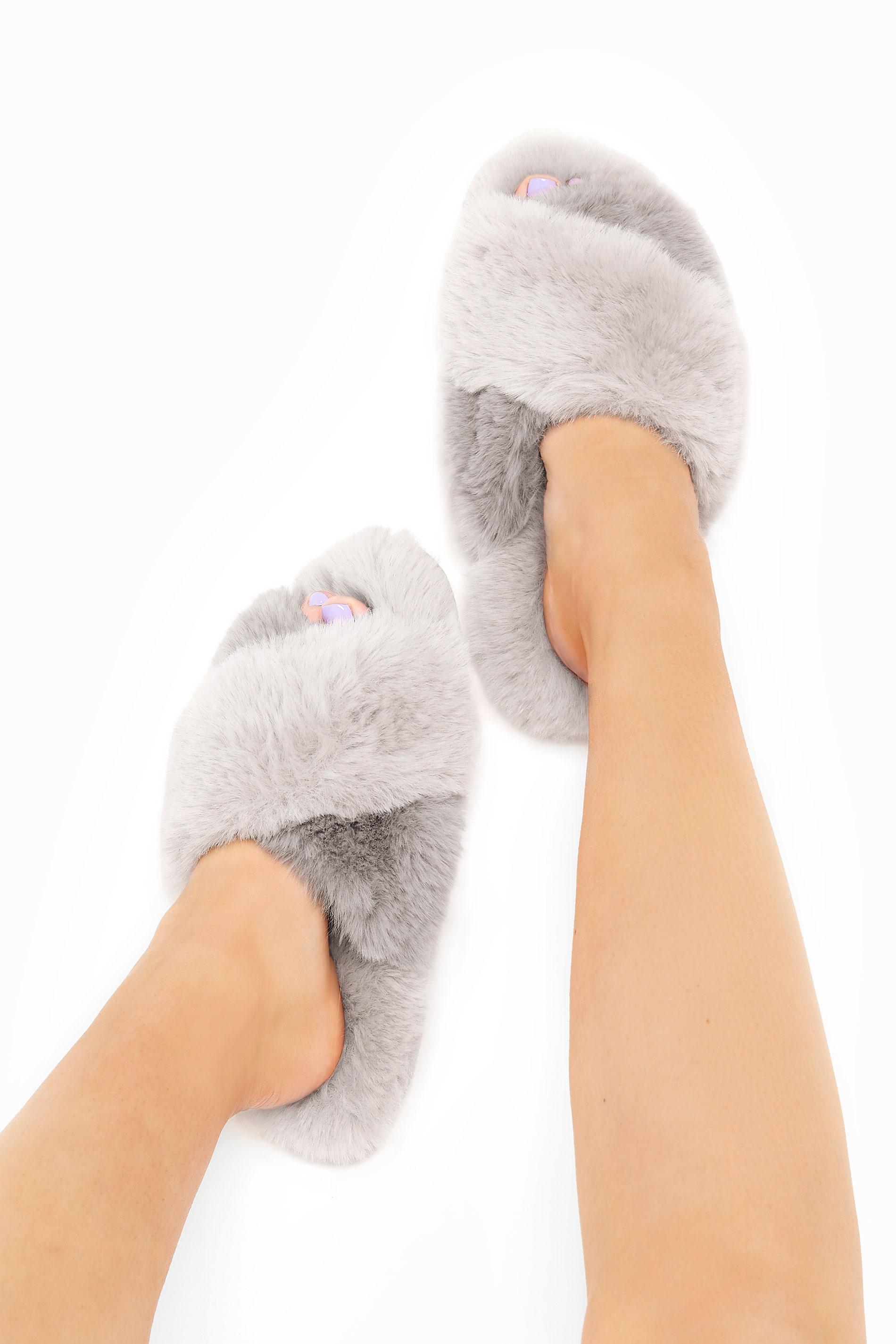 Grey Vegan Faux Fur Cross Strap Slippers In Regular Fit