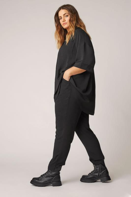 THE LIMITED EDIT Black Pleated Front Top_B.jpg