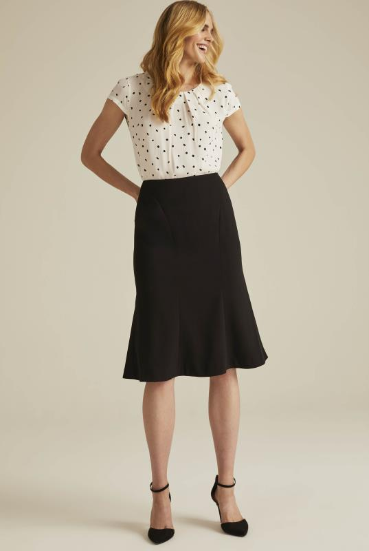 Versatile Textured Suit Flippy Skirt