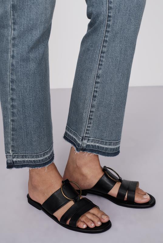 Kick Flare Crop Jeans
