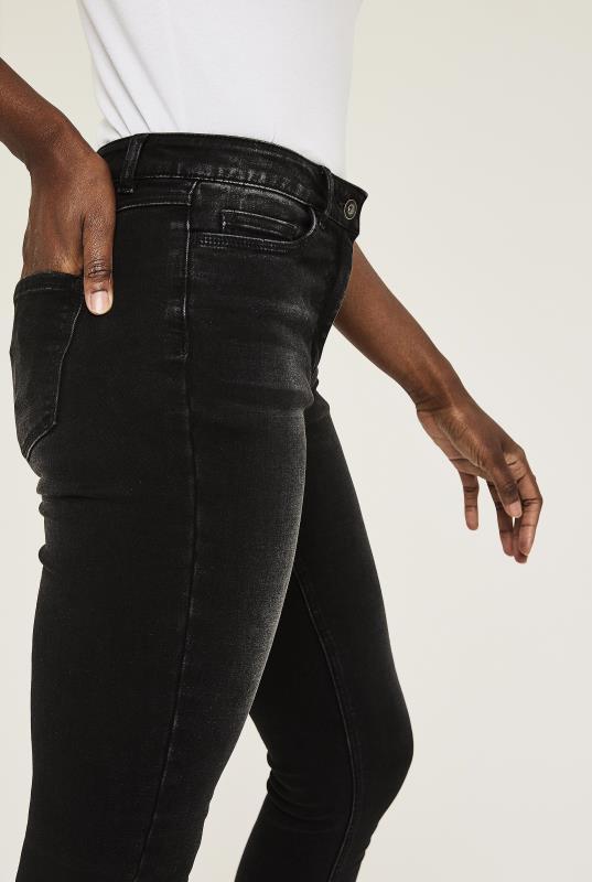 Washed Black Lined Skinny Jeans_4.jpg