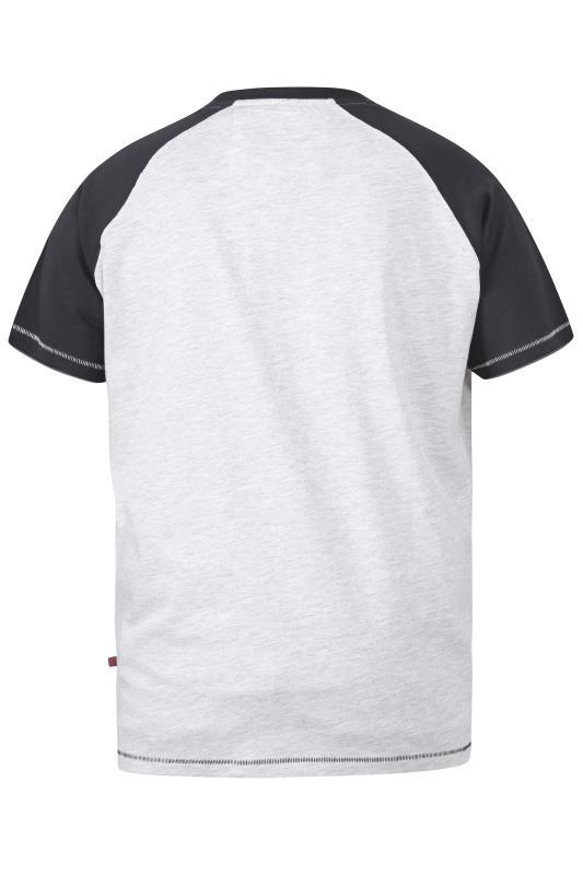 D555 White Worldwide Explorers Raglan Sleeve Printed T-Shirt_bk.jpg