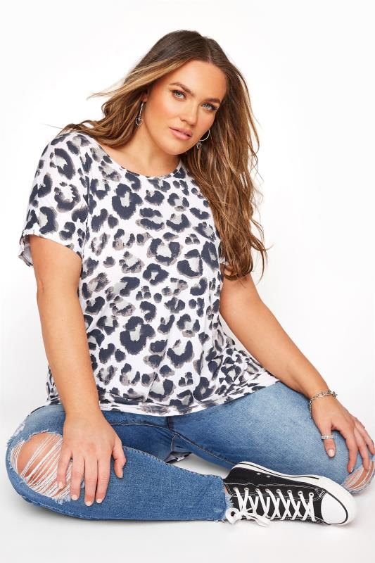 Plus Size  White Leopard Print Grown On T-Shirt