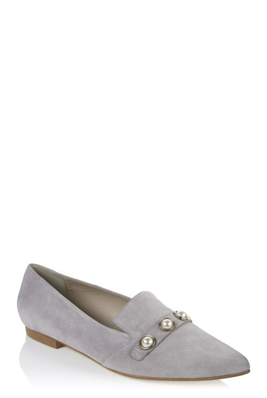 Deluxe Pearl Studded Loafer
