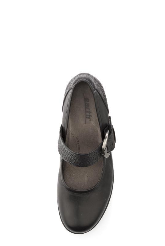 Black Earth Noble Heel Shoes_2.jpg