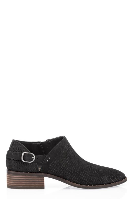Black Lucky Gahiro Flat Shoe