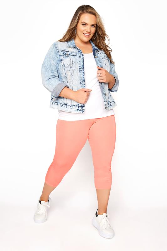 Plus Size  Coral Cropped Leggings