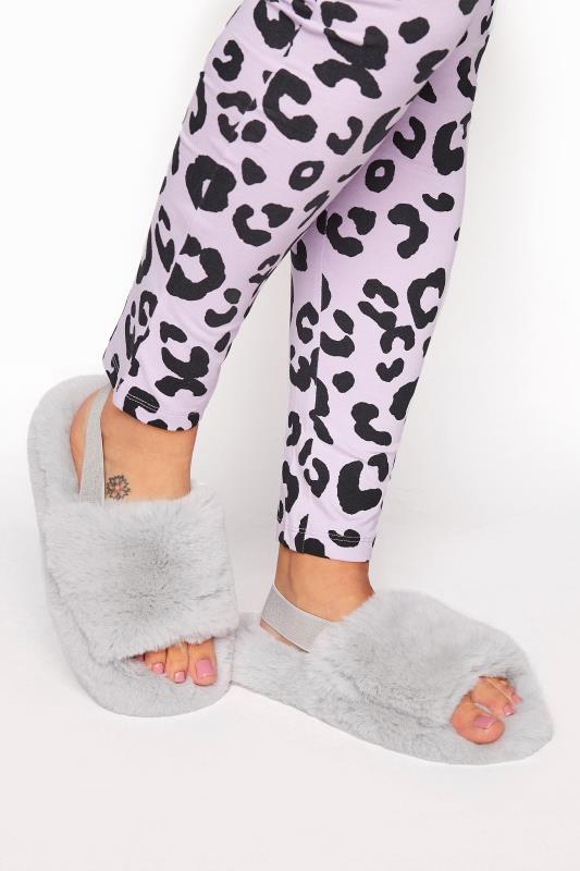 Grey Plush Fur Elastic Slippers In Regular Fit