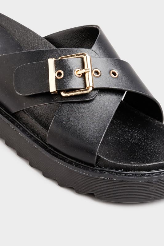 Black Buckle Chunky Slider in Regular Fit_E.jpg