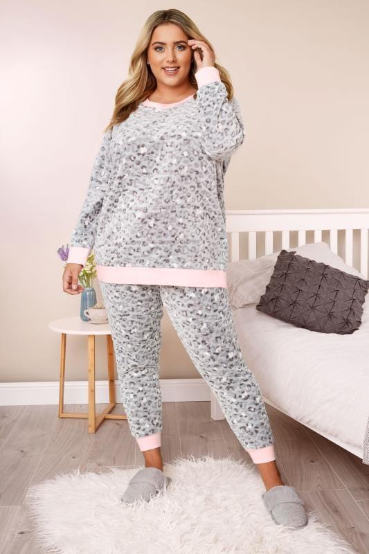 Grijze pyjama-set met luipaardprint