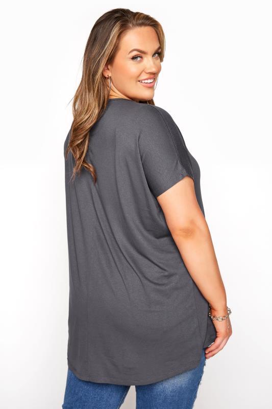 Grey Dipped Hem Short Sleeved T-Shirt_C.jpg
