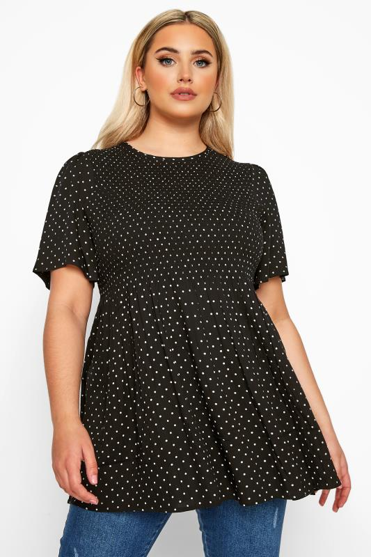 Plus-Größen Blouses & Shirts LIMITED COLLECTION Black Polka Dot Shirred Smock Top