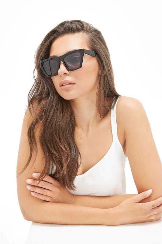 Tall  Yours Black Cat Eye Frame Sunglasses