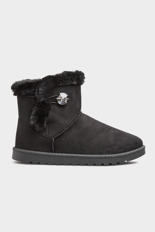 Black Gem Button Fur Boots in Regular Fit_A.jpg