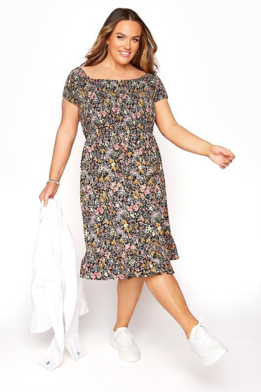 Florales Bardot Kleid mit gerafftem Mieder