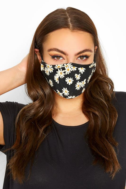 Plus Size  Black Daisy Print Filtered Face Mask