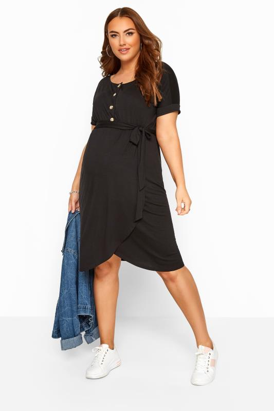 BUMP IT UP MATERNITY Black Horn Button Wrap Dress