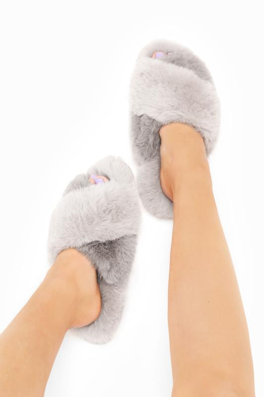 Plus Size  Grey Vegan Faux Fur Cross Strap Slippers In Regular Fit