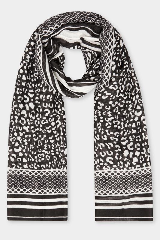 Black & White Animal Print Scarf_F.jpg