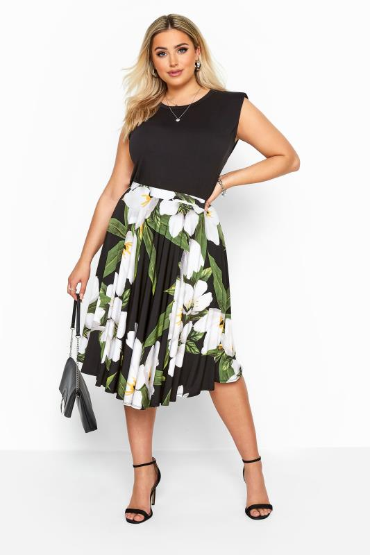 Plus Size Casual / Every Day Black Floral Slinky Jersey Skater Skirt