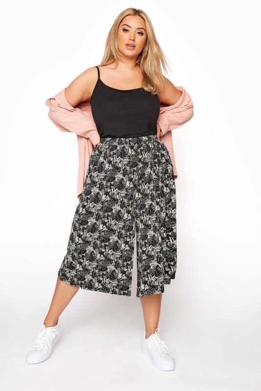 Plus Size  Black Leaf Print Culottes