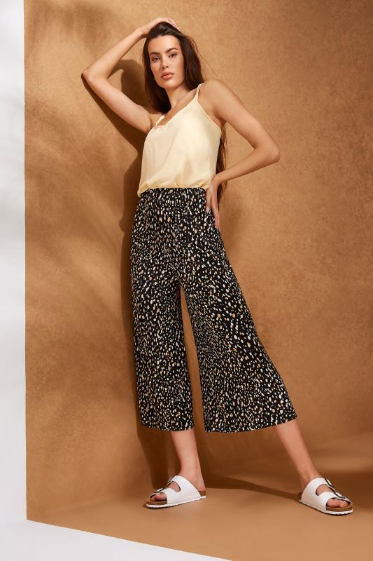 LTS Black Abstract Spot Cropped Trousers_L.jpg