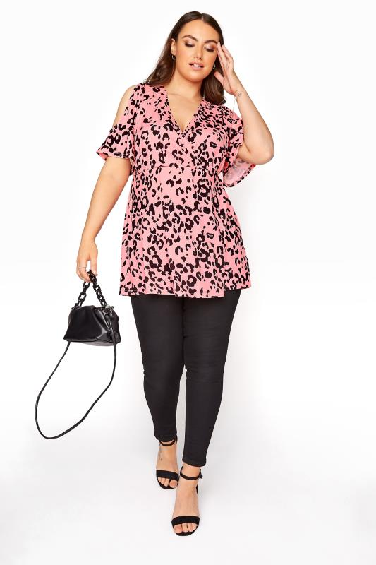 YOURS LONDON Pinkfarbene Cold Shoulder Wickelbluse mit Animal Print