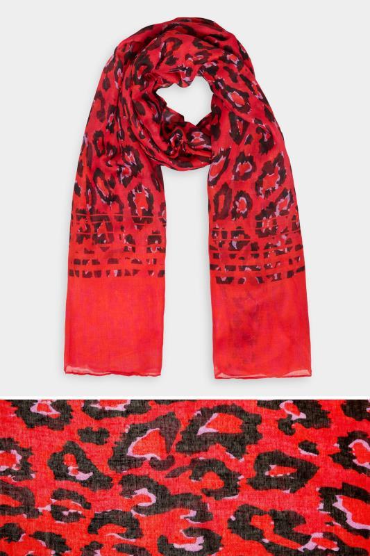 Roter Schal mit Animal Print
