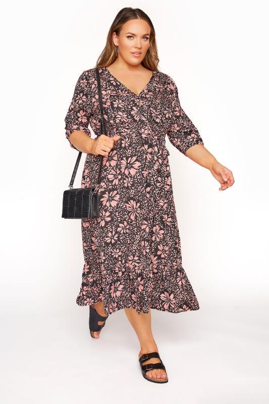 LIMITED COLLECTION - Midi-jurk met bloemenprint en ruchezoom in zwart-roze