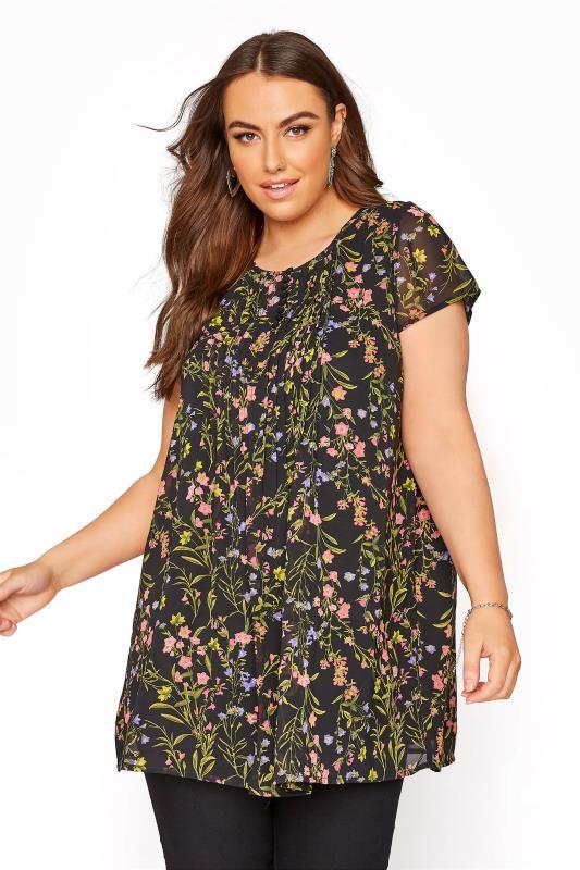 Plus Size  Black Floral Pleat Front Short Sleeve Blouse