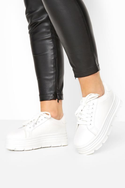 Grande Taille LIMITED COLLECTION White Platform Chunky Trainers In Regular Fit