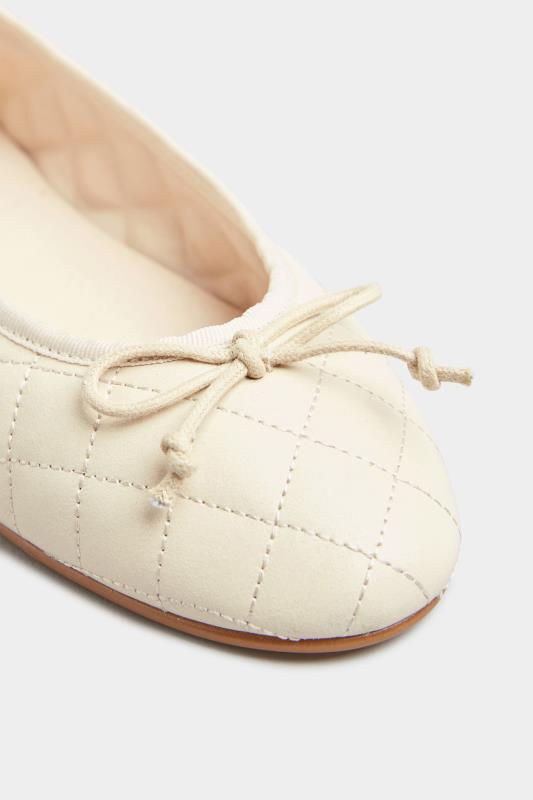 LTS White Leather Quilted Ballet Pumps_E.jpg