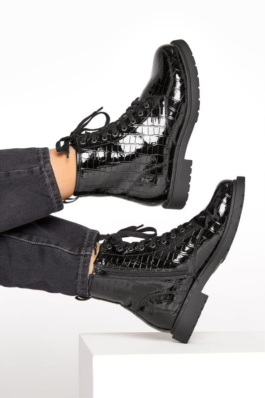 Grande Taille Black Patent Croc Chunky Lace Up Boots In Extra Wide Fit