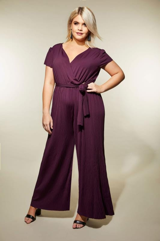 AX PARIS CURVE Burgundy Pleated Jumpsuit With Cap Sleeves