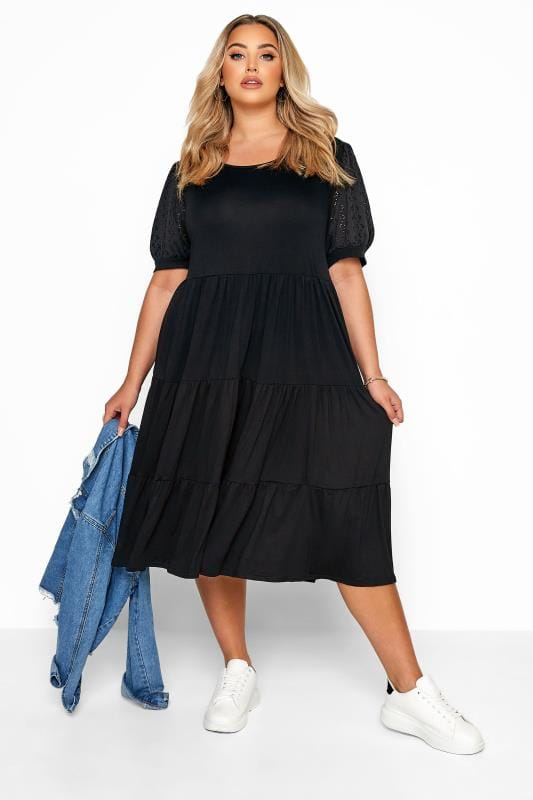 Black Dresses dla puszystych Black Broderie Anglaise Sleeve Tiered Smock Midi Dress