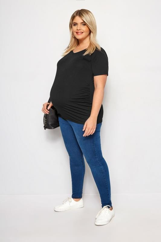 BUMP IT UP MATERNITY Black V-Neck T-Shirt