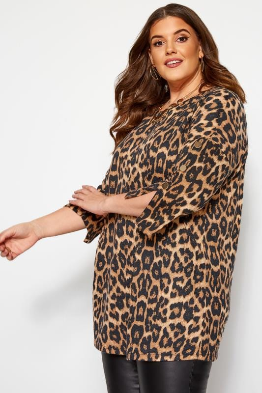 Plus Size Knitted Tops Brown Animal Print Button Knitted Top