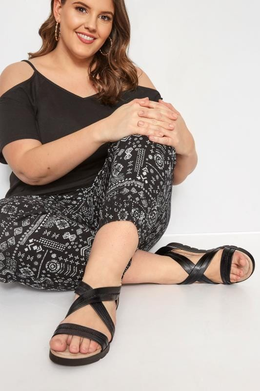 Plus Size Sandals Black Closed Back Cross Over Sandals In Extra Wide Fit
