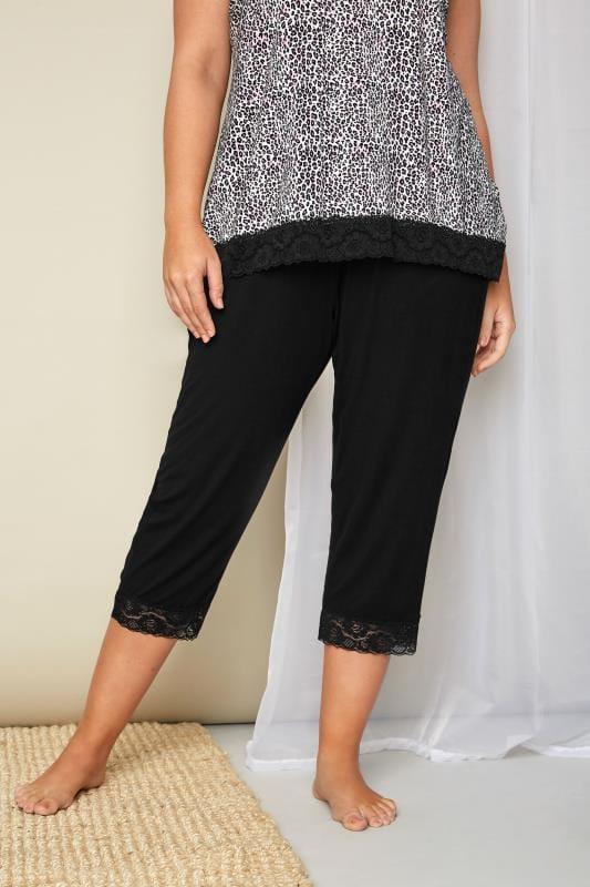 Pyjamas dla puszystych Black Cropped Pyjama Bottoms With Lace Trim