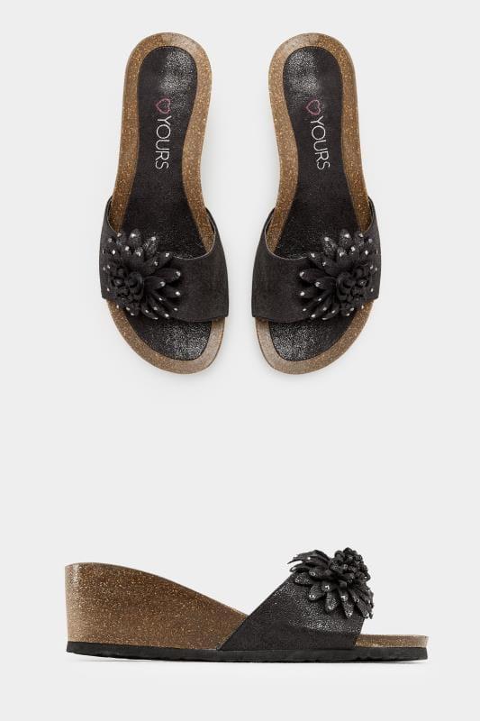 Schwarze Sandalen mit Keilabsatz, Blumendetail und weiter Passform EEE Fit