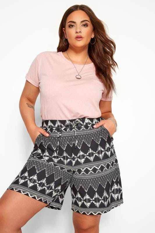 Fashion Shorts Black Geo Print Pull On Shorts