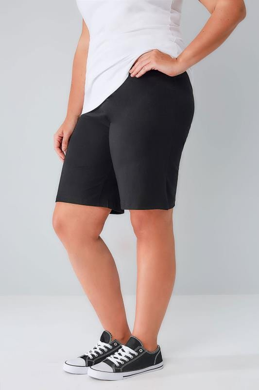 Yours Clothing Women/'s Plus Size Black Woven Palm Print Shorts