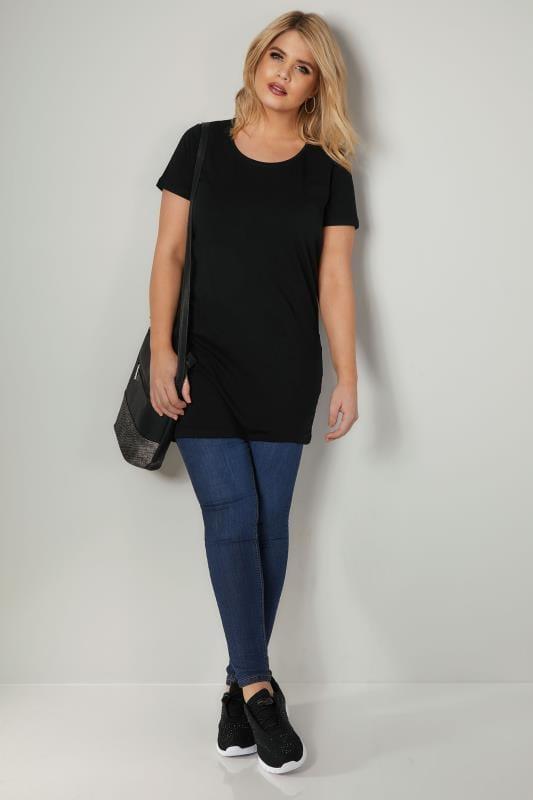Schwarzes längeres T-Shirt mit Rundhalsausschnitt