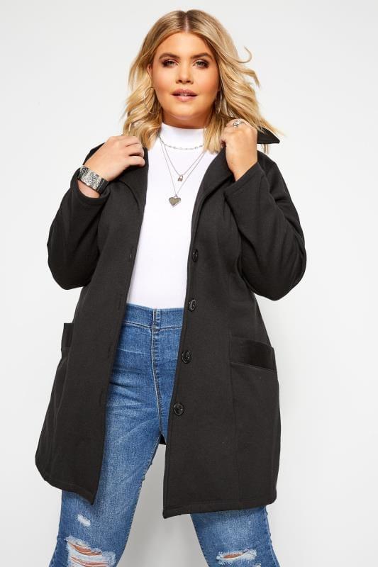Zwarte jas met knopen en tailleband