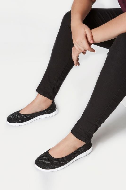 Black Sporty Metallic Pumps In Extra Wide Fit